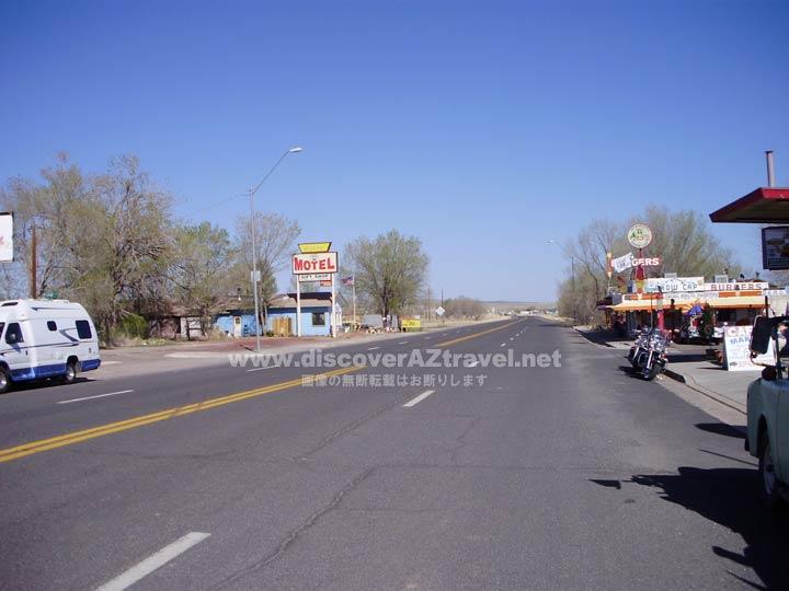 グランドキャニオン観光途中に立ち寄ったルート66の道路