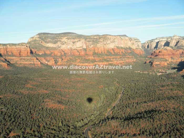 気球ツアーで上空から見たセドナ